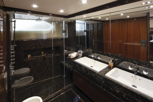 Princess M Class 32M Master Cabin Bathroom