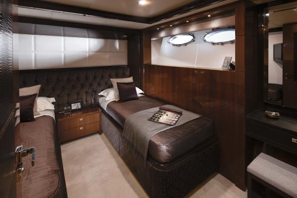 Princess M Class 32M Twin Guest Cabin