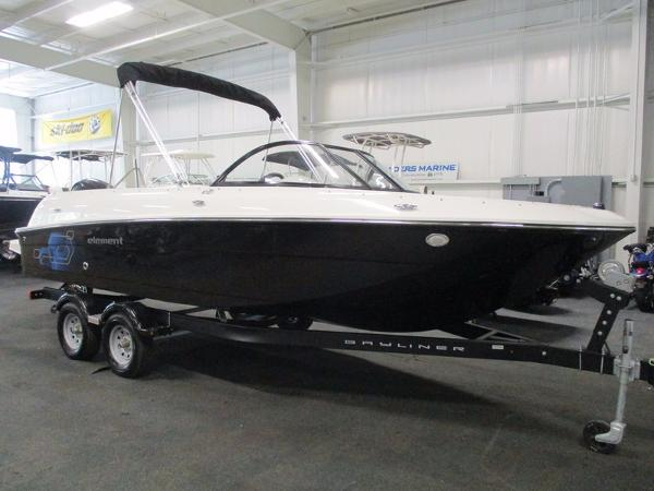 Bayliner 210 ELEMENT