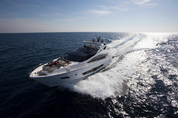 Sunseeker 86 Yacht Running Shot