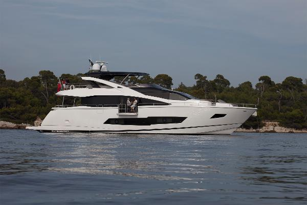 Sunseeker 86 Yacht Side Profile