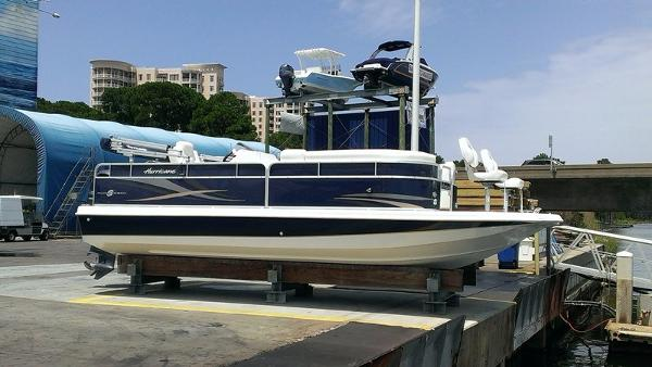 Hurricane FunDeck 236F