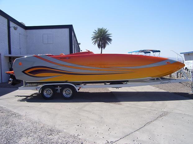 Domn8er Deck Boat