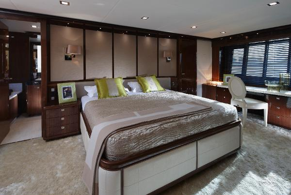 Princess Flybridge 98 Motor Yacht Owner's Stateroom