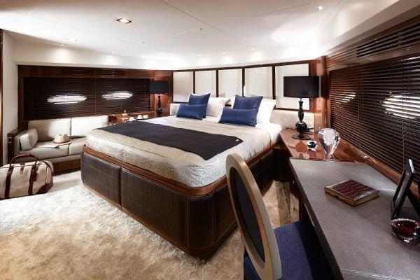 Princess Flybridge 98 Motor Yacht Forward Stateroom