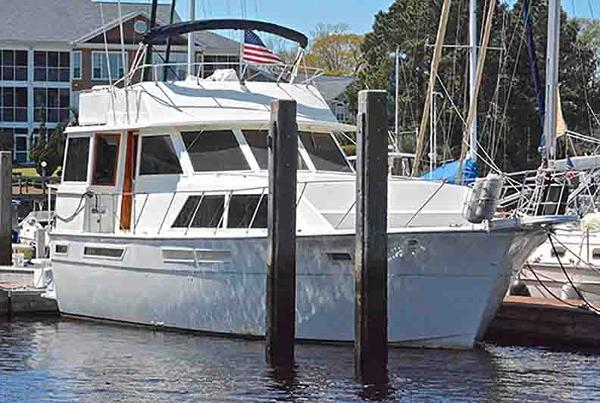 Uniflite 460 Motor Yacht