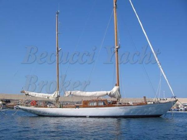 Sailing Ketch Giles Beltrami