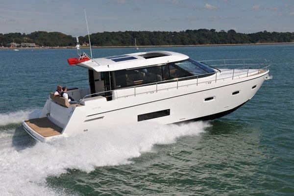 Sealine C48 Motor Yacht