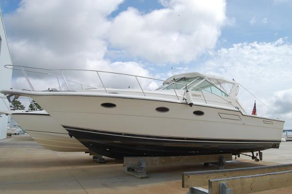 Tiara 3300 Open Profile