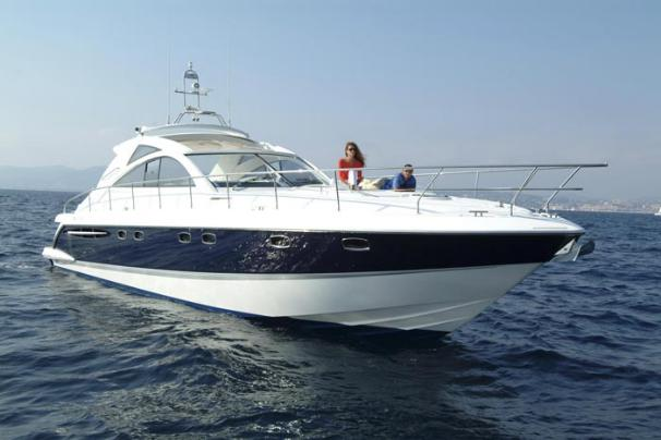 Fairline Targa 52 HT Manufacturer Provided Image: Starboard Bow View