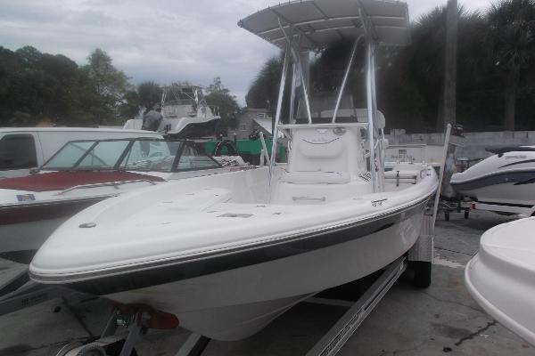 Nautic Star 2110 SPORT BAY BOAT