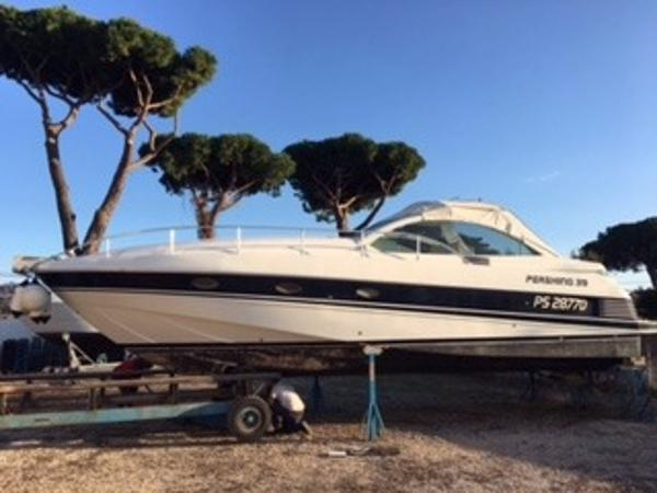 Ferretti Yachts PERSHING 39