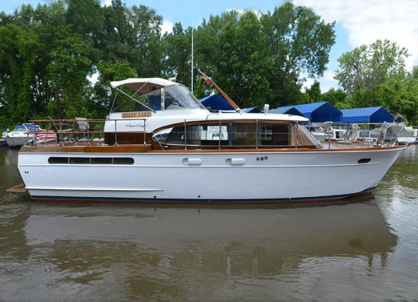 Chris-Craft Constellation 42 MY