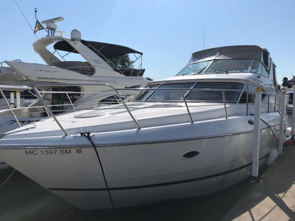 Cruisers Yachts 4450 Motor Yacht Port Bow