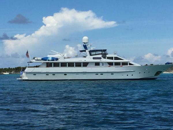 Benetti Custom Lloyds M.Y. Starboard Side underway