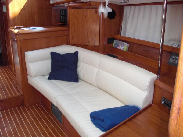Jeanneau 49DS port settee