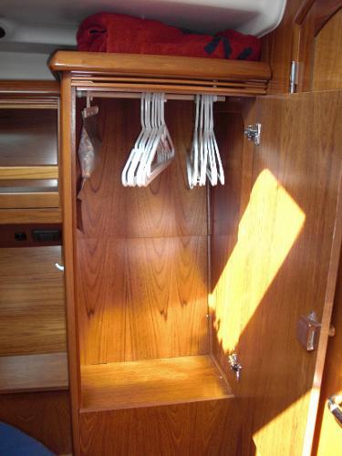 Jeanneau 49DS aft cabin storage