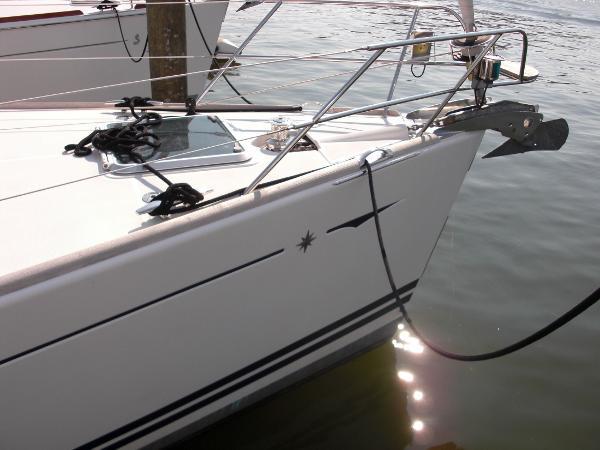 Jeanneau 49DS Bow