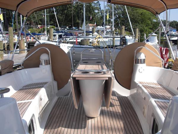Jeanneau 49DS cockpit