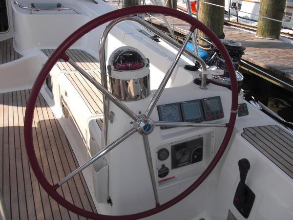 Jeanneau 49 starboard wheel