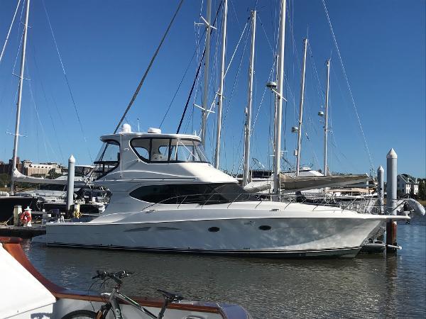 Silverton 48 Convertible Starboard Profile