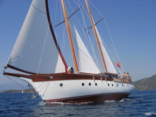 21 m 4 Cabins Motor  Sailer