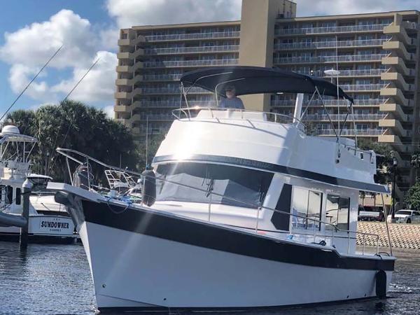 Mainship 395 Trawler Profile