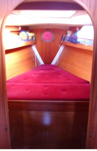 Vee Berth/Forward Cabin