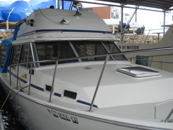 Bayliner 3270 Explorer Flybridge Sedan