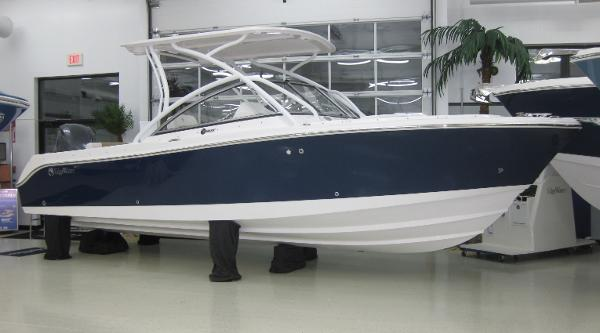 Edgewater 245 CX Sistership in Midnight Blue