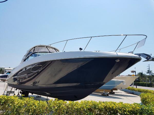 Walker 39 s yacht sales at fish tale marina boats for sale for Fish tale boats