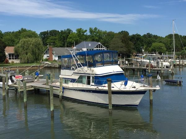 Chris-Craft 380 Corinthian 38' 85 Chris Craft
