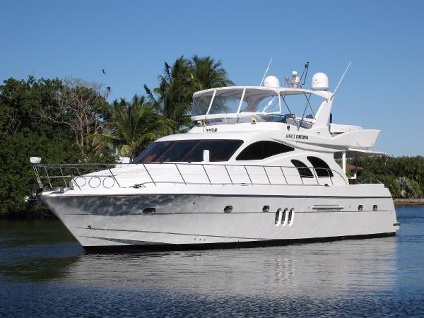 Grand Harbour 67 Motoryacht Profile