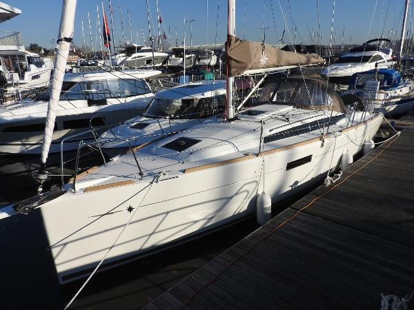 Jeanneau Sun Odyssey 349 Jeanneau Sun Odyssey 349