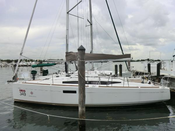 Jeanneau 349 At dock - prior model