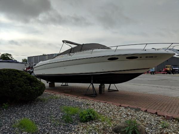 Sea Ray 280 Cuddy Cabin Starboard Profile