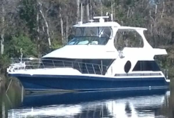 Bluewater Yachts 5200 Custom w/Cummins