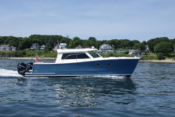 Buzzards Bay Power Catamaran Starboard Profile