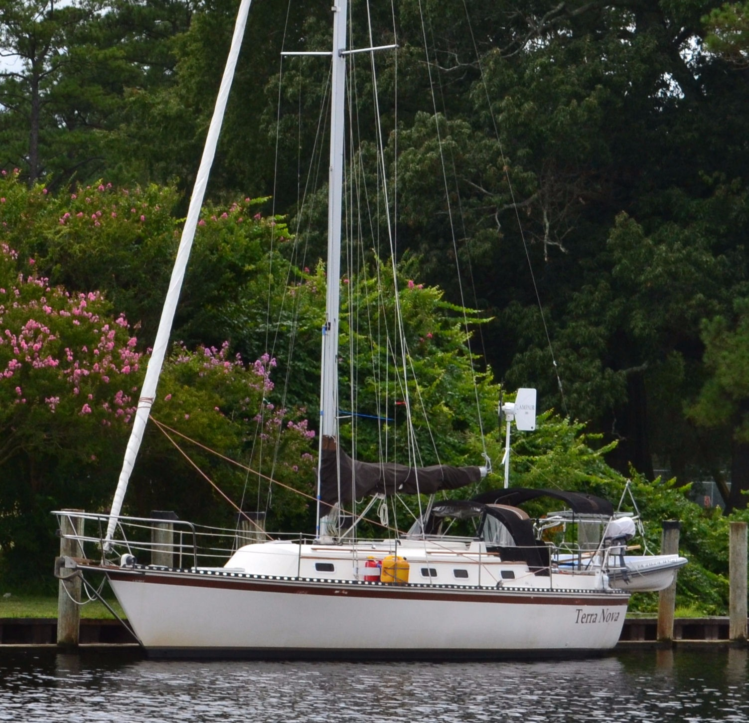Caliber Yacht Corp 33