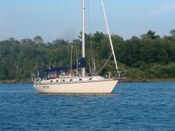 Caliber 38 at anchor