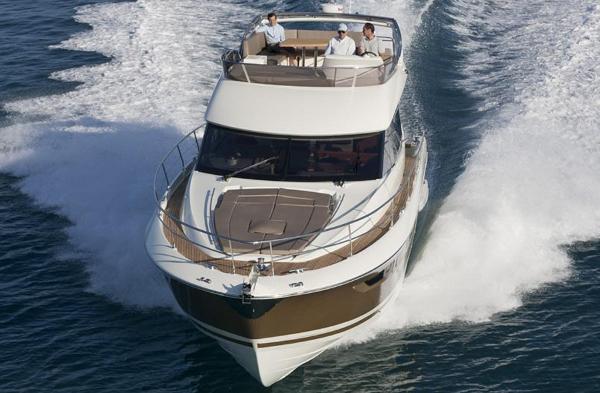Prestige 500 Flybridge Smooth & Comfortable