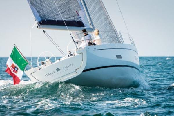 Custom Italia Yachts Italia 13.98 IY_1398_sail_giu_012_01_1037-Edit-480x320