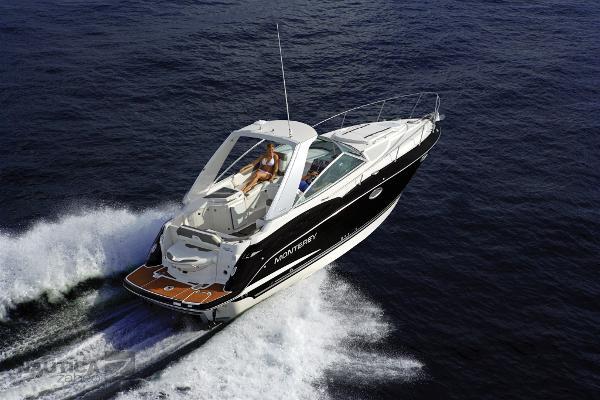 Monterey 295 SCR Sport Cruiser (NUOVA) 295SY_Running