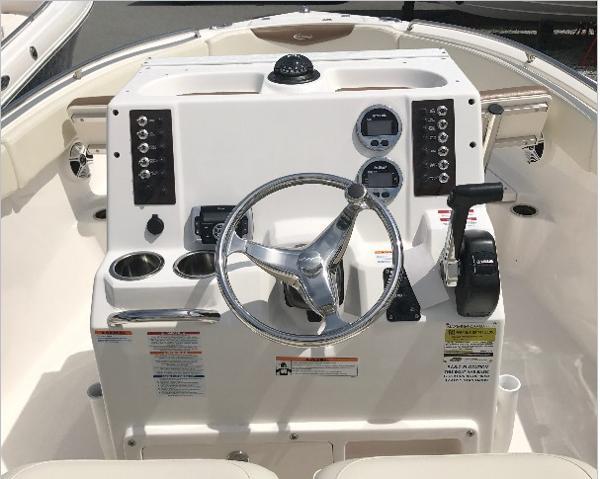 Robalo R222 ES