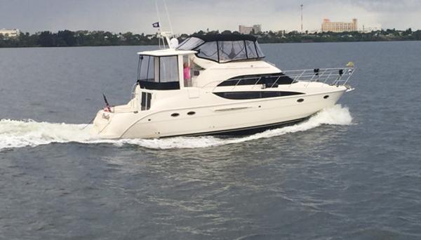 Meridian 459 Cockpit Motoryacht 45' Meridian 459 Starboard profile
