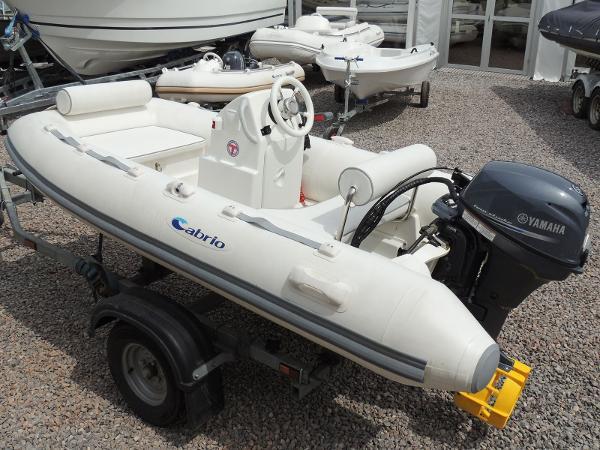 RIB Cabrio Espace 270 Console