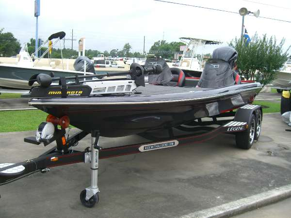 Legend Boats V-20