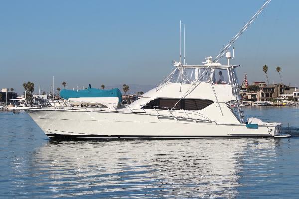 Hatteras 60 Convertible Port Profile