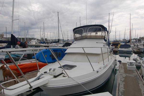 Skipjack 26 Flybridge Port Bow