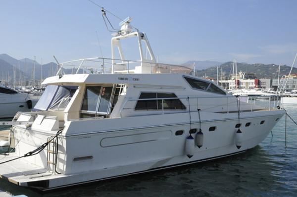 Ferretti Yachts 46/49 Altura Ferretti Altura 49 Profile